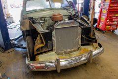 1949-ford-custom-18-scaled