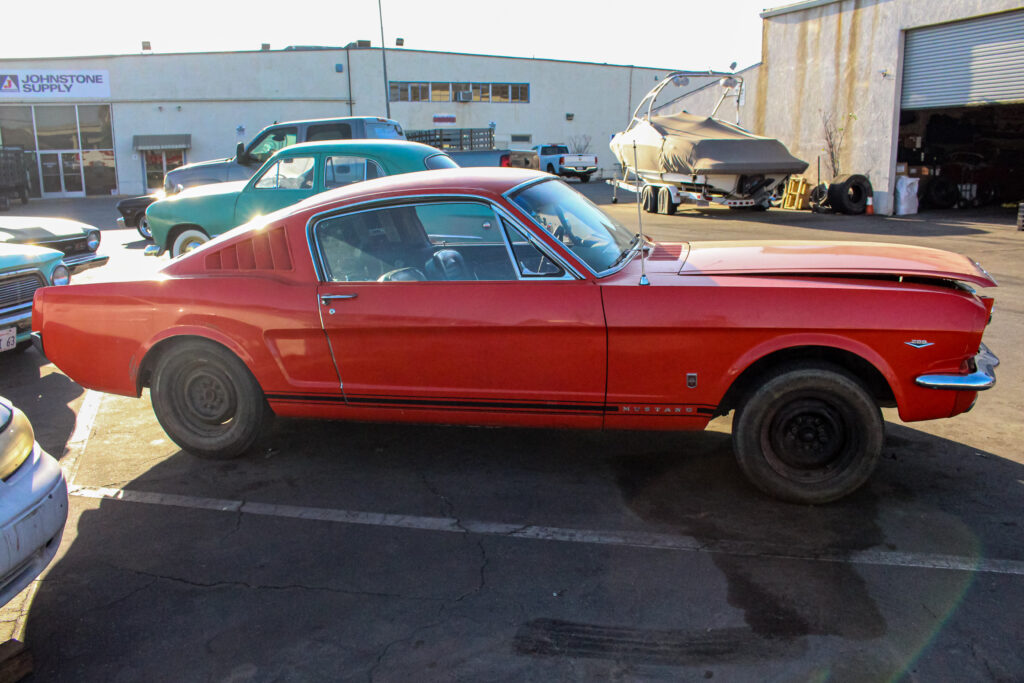 1966 Ford GT Mustang Side View